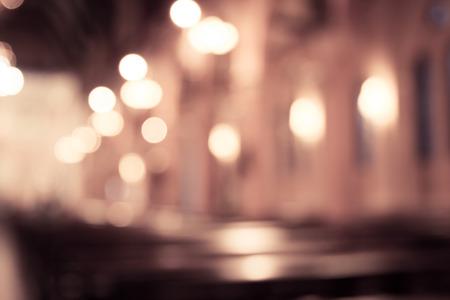 Verschwommenes Foto von Kirchenraum im Vintage-Filter für Hintergrund Standard-Bild - 40907399