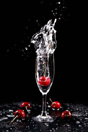 cocktail - with a splash! Stock Photo - 11800612