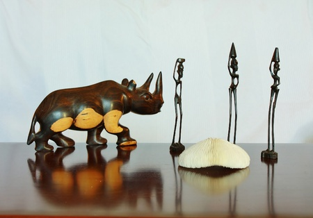 statuette: African products from ebony and white coral