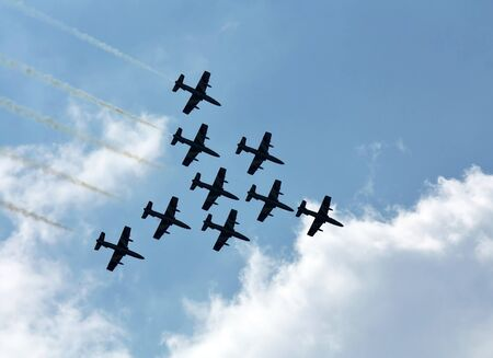 Perform aerobatics by the aircrafts team at the airshow