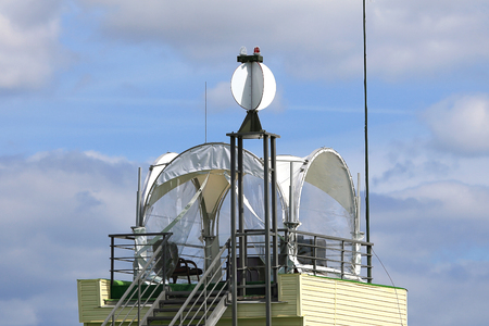 observation: Command tower with the means of observation and communication