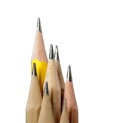 grafito: grupo de recién afilados lápices tradicionales aislados en blanco Foto de archivo