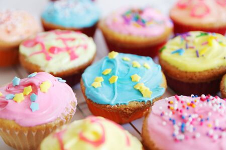 cup cakes: colorful cup cakes