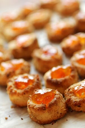 Home made cookies with apricot jam Imagens