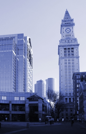 Blueish picture of Customs house in Boston, United states
