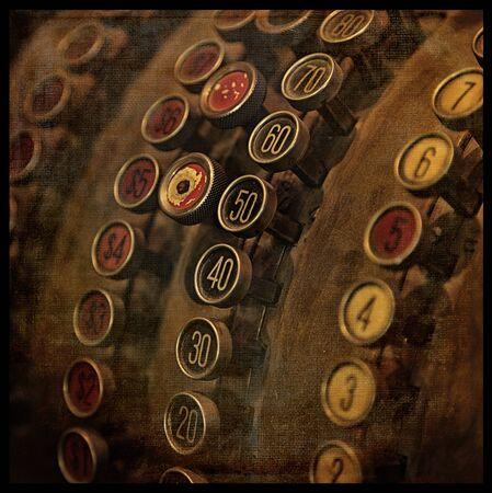 Caisse enregistreuse ancienne avec une texture. Croix traité pour ressembler et photographie instantanée. Banque d'images - 37626442