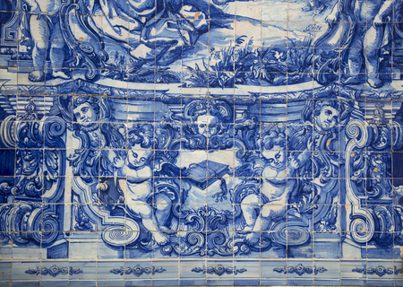 eduardo: PORTO-PORTUGAL NOVEMBER 4, 2015:  Santa Catarina chapel in Porto a Neoclassical temple fromend of the 18th century, their faades are completely covered by story-telling tile panels in blue and white painted in 1929 by Eduardo Leite. Editorial