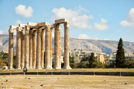 The Temple of Olympian Zeus is a monument of Greece and a former colossal temple at the centre of the Greek capital Athens Stok Fotoğraf