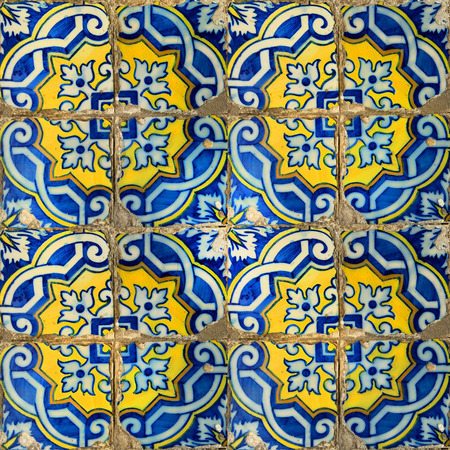 Photograph of traditional portuguese tiles in blue and yellow 版權商用圖片