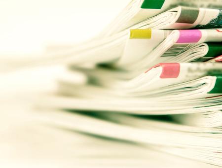 fond de texte: agrandi pile du journal Banque d'images