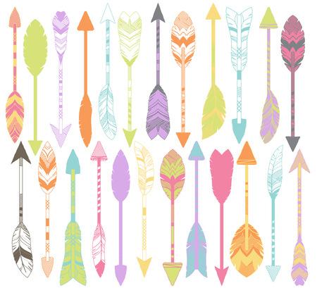 arco y flecha: Vector conjunto de flechas de plumas estilizados o abstractas y pluma Flecha Siluetas Vectores