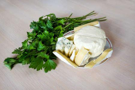 チーズ、パセリ