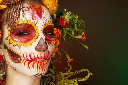 Face art to Halloween.