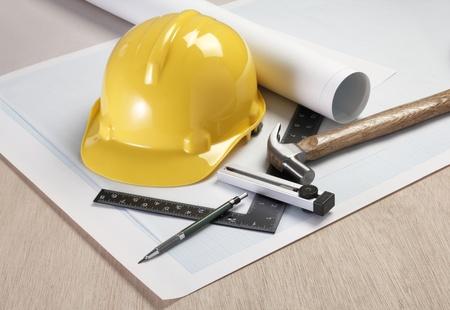 ingeniero electrico: Los planos arquitectónicos y herramientas