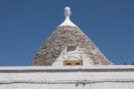 puglia: Alberobello Puglia cone trullo