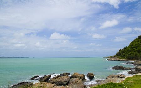 seashores: seashore and submerged rocks
