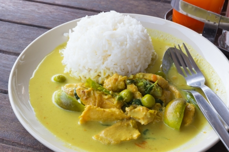 Kaeng Khiao Wan Kaior chicken green curry  Delicious Thai Chicken Curry and Vegetables in Coconut Milk, served with Rice.