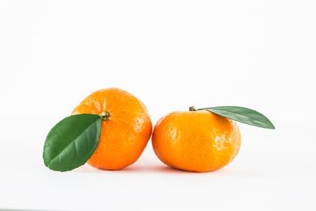 Mandarijn sinaasappel, Citrus reticulata geïsoleerd op witte achtergrond Stockfoto