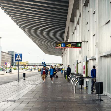 Barcelone, Espagne - 30 mai 2014 devant l'aéroport international El Prat Banque d'images - 29630948