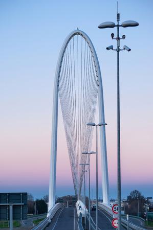 REGGIO EMILIA, Italie - 23 FÉVRIER 2014 complexe ponts célèbres Le Vele par l'architecte Santiago Calatrava Banque d'images - 30164086