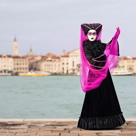 Carnaval de Venise, beau masque à l'île de St George avec Mark Banque d'images - 29871277