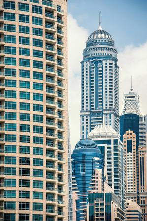 DUBAI, Émirats Arabes Unis - 27 mars 2014 Bâtiments de Dubai Marina Banque d'images - 29853395