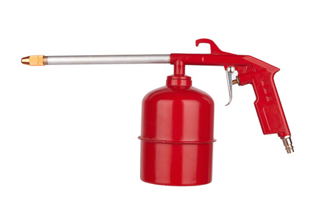 airbrushing: La pistola de rociado aislado en un fondo blanco