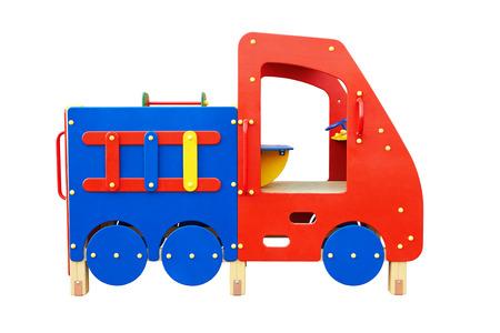 jardin de infantes: Patio colorido para los ni�os aislados en fondo blanco