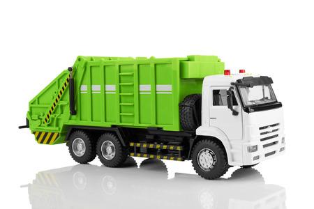 basurero: Juguete camión de basura aislado en un fondo blanco Foto de archivo