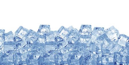 白い背景で隔離のアイス キューブ 写真素材