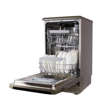 Máquina lavavajillas aislado sobre un fondo blanco.