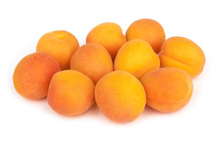 Apricots heap isolated on a white background Stok Fotoğraf - 132077958