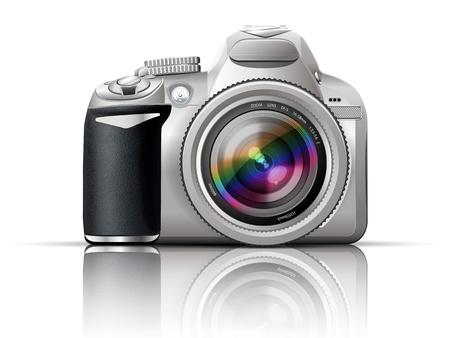反射と白い背景の上の灰色の一眼レフ カメラ、