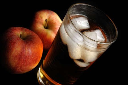 apple with a glass of juice Standard-Bild