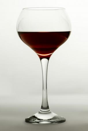 Lampka wina pełna