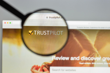 Milan, Italy - August 10, 2017: Trustpilot website homepage. Trust pilot logo visible. Редакционное