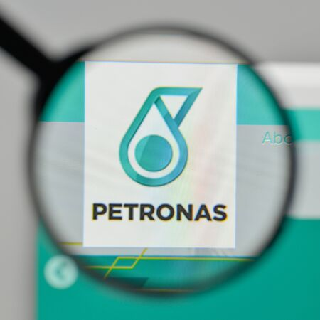 Milan, Italy - November 1, 2017: Petronas logo on the website homepage. Editöryel