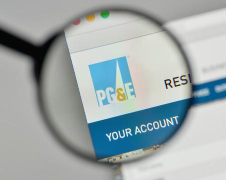 ミラノ、イタリア - 2017年11月1日:ウェブサイトのホームページ上のPG &E社のロゴ。