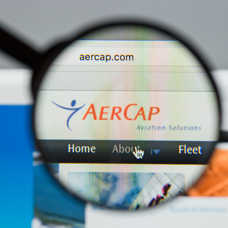 Milan, Italy - August 10, 2017: Aer Cap Holdings website homepage. It is the world's largest independent aircraft leasing company. AerCap logo visible. Redakční