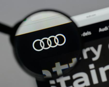 Milan, Italië - 10 augustus 2017: Audi-logo op de startpagina van de website.