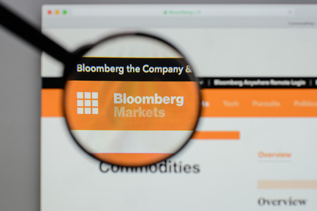 Milan, Italy - August 10, 2017: Bloomberg  logo on the website homepage. Редакционное
