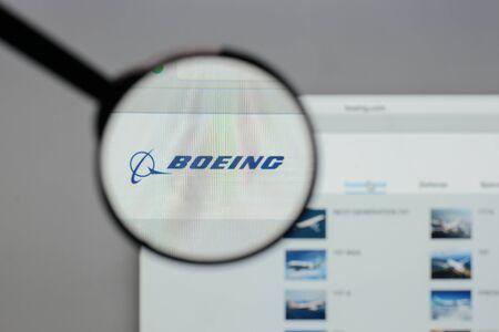 웹 사이트 홈페이지에 밀라노, 이탈리아 -8 월 10 일, 2017 : 보잉 로고 에디토리얼