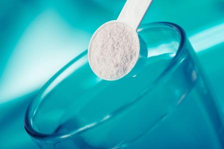 Droog chemisch poeder. Kan een natuurlijk chemisch extract of product van industriële chemie zijn.