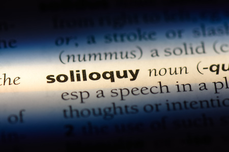 soliloquy word in a dictionary. soliloquy concept. 版權商用圖片 - 107389120
