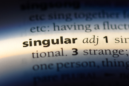 singular word in a dictionary. singular concept. Imagens - 107383399