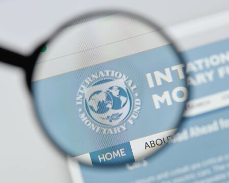 Milan, Italy - August 20, 2018: international monetary fund website homepage. international monetary fund logo visible. Redakční
