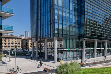 Milan, Italy - 30 June 2019: View of Porta Nuova area and Samsung District Redactioneel