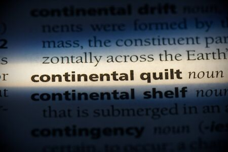 continental quilt word in a dictionary. continental quilt concept, definition. 写真素材 - 132116281