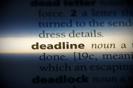 deadline word in a dictionary. deadline concept, definition. 写真素材 - 132116576