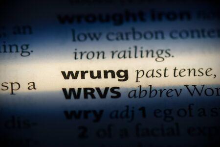 wrung word in a dictionary. wrung concept, definition. Banco de Imagens
